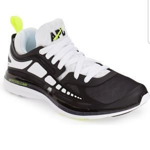 APL SHOES PRISM WOMEN'S BLACK AND WHITE SIZE6